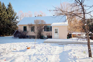 Featured Property in Parkland County, AB