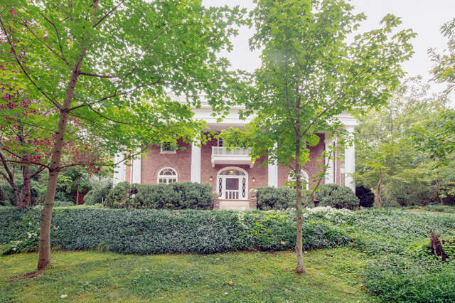 Single Family for Sale at 1636 Hillcrest Rd Chattanooga, Tennessee 37405 United States