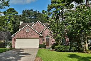 Single Family Home for Sale, ListingId:40594967, location: 64 E Village Knoll Cir The Woodlands 77381