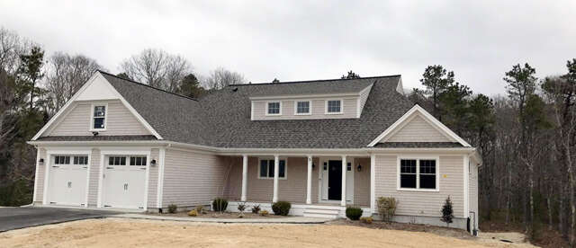 Single Family for Sale at 22 Crowell Road East Falmouth, Massachusetts 02536 United States