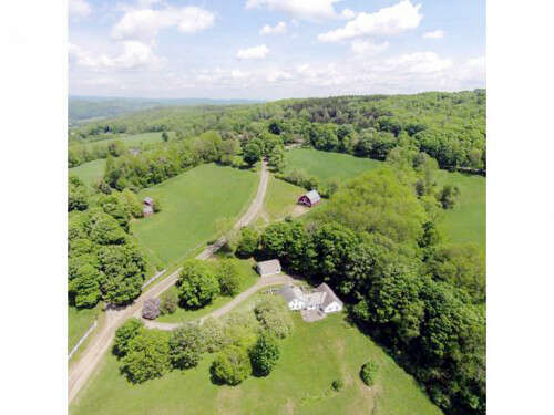 Single Family for Sale at 520 Galaxy Hill Road North Pomfret, Vermont 05053 United States