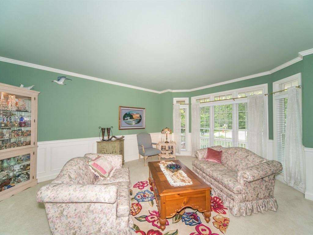 Additional photo for property listing at 5 Clemens Circle  Lancaster, Pennsylvania 17602 United States