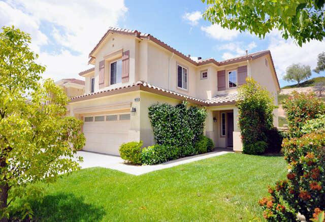 Single Family for Sale at 28733 Garnet Canyon Drive Saugus, California 91390 United States