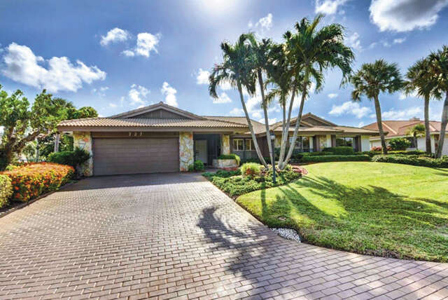 Single Family for Sale at 727 Pine Lake Drive Delray Beach, Florida 33445 United States