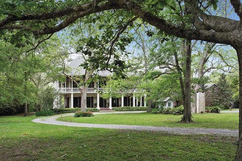 Single Family for Sale at 138 Deloaks Road Madisonville, Louisiana 70447 United States
