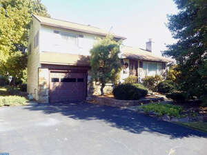 Featured Property in Warminster, PA 18974