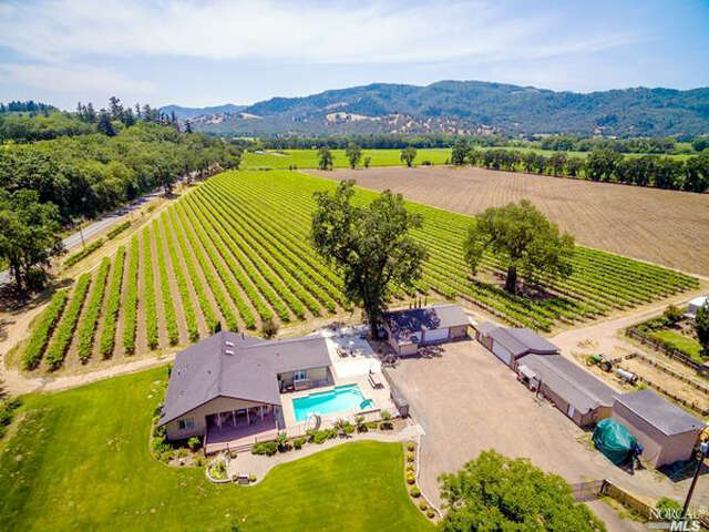 Single Family for Sale at 4610 Old River Road Ukiah, California 95482 United States
