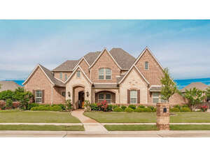 Featured Property in Colleyville, TX 76034
