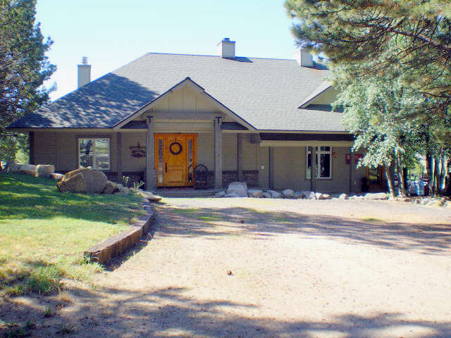 Single Family for Sale at 245 Harala Lane Donnelly, Idaho 83615 United States
