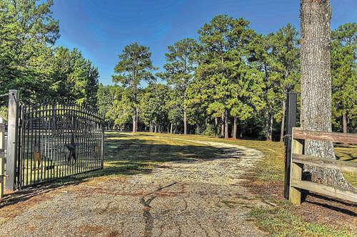 Single Family for Sale at 2280 Spring Branch Road Montgomery, Texas 77316 United States