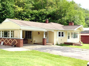 Featured Property in Zionville, NC 28698