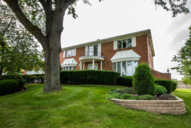 Single Family for Sale at 19w084 Avenue Chateaux North Oak Brook, Illinois 60523 United States