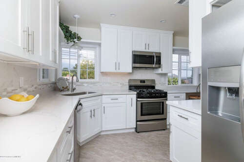 Single Family for Sale at 4751 La Canada Boulevard La Canada Flintridge, California 91011 United States
