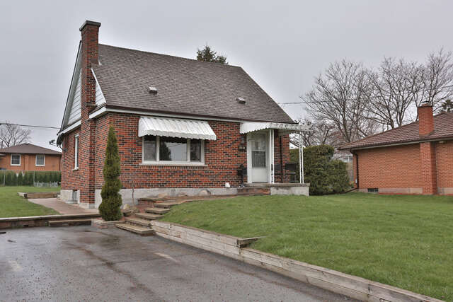 Real Estate for Sale, ListingId:49179832, location: 424 Gibbons St Oshawa L1J 4Z4