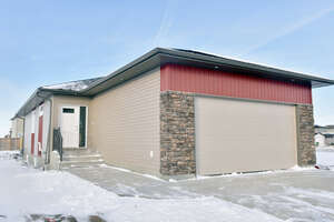 Featured Property in Moose Jaw, SK S6J 0B6