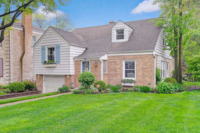 Single Family for Sale at 231 Grant Street Clarendon Hills, Illinois 60514 United States