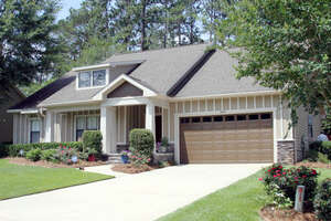 Featured Property in Crestview, FL 32536