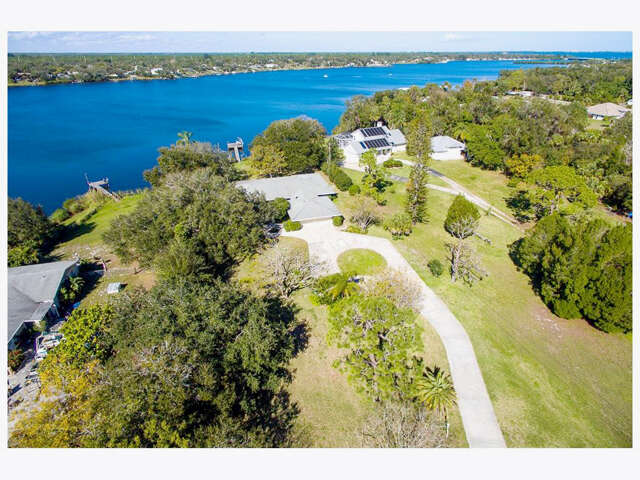 Single Family for Sale at 13345 Bay Street Sebastian, Florida 32958 United States
