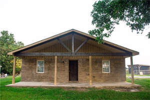 Featured Property in Danbury, TX 77534