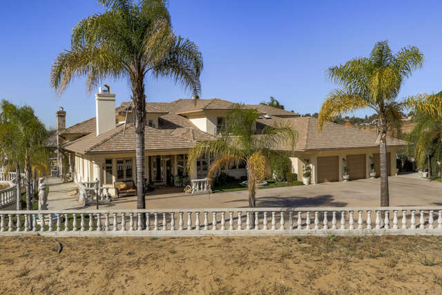 Single Family for Sale at 1706 Smiley Ridge Redlands, California 92373 United States
