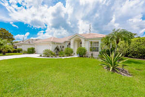 Featured Property in Sarasota, FL 34238