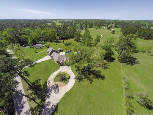 Single Family for Sale at 10128 Wahrenberger Road Conroe, Texas 77304 United States