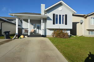 Single Family Home for Sale, ListingId:41503572, location: 9996 105 St. Sexsmith T0H 3C0