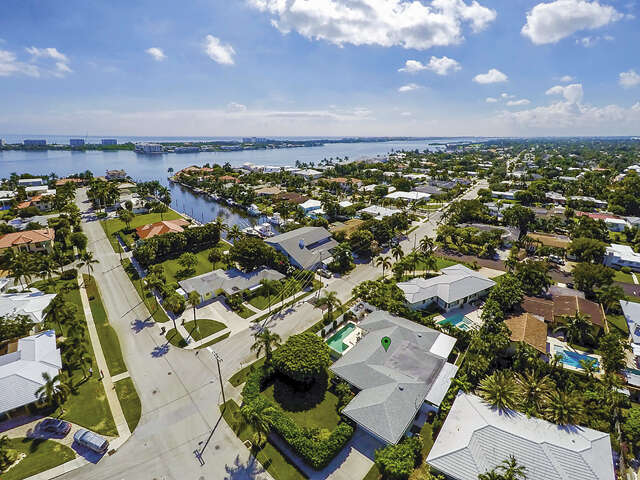 Single Family for Sale at 2415 N Lakeside Drive Lake Worth, Florida 33460 United States