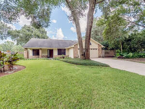 Featured Property in Oviedo, FL 32765