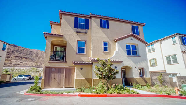 Single Family for Sale at 22151 Barrington Way Santa Clarita, California 91350 United States