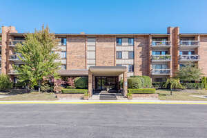 Featured Property in Willowbrook, IL