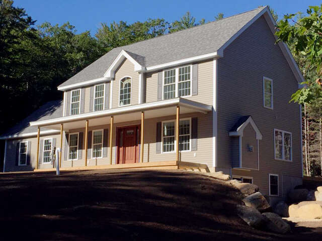 Featured Property in WEARE, NH, 03281