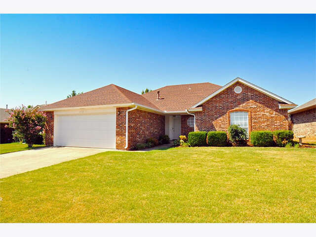 Featured Property in EDMOND, OK, 73003