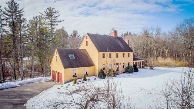 Single Family for Sale at 32 Doe Run Lane Stratham, New Hampshire 03885 United States