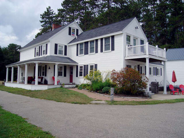 Single Family for Sale at 352 Packers Falls Road Durham, New Hampshire 03824 United States