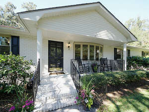 Featured Property in Mt Pleasant, SC 29464