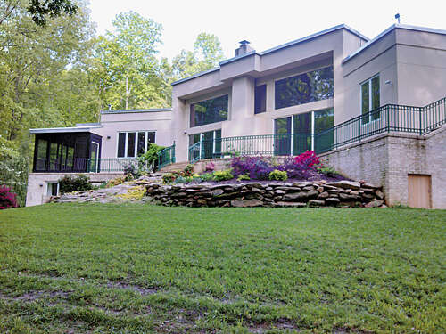 Featured Property in CROZIER, VA 23039