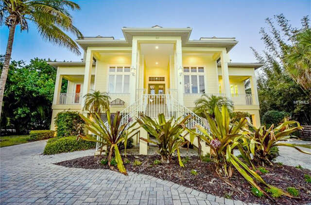 Single Family for Sale at 107 Ocean Place Sarasota, Florida 34242 United States
