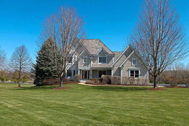 Single Family for Sale at 410 Cove Dr Cary, Illinois 60013 United States