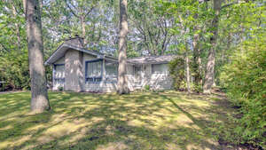 Featured Property in Grand Bend, ON N0M 1T0