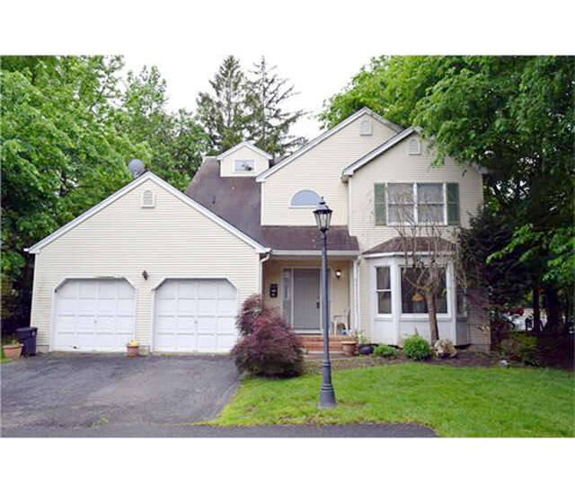 Single Family for Sale at 290 Grove Avenue Metuchen, New Jersey 08840 United States