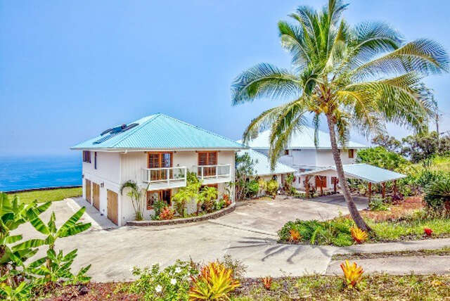 Single Family for Sale at 87-2859 Mamalahoa Hwy Captain Cook, Hawaii 96704 United States