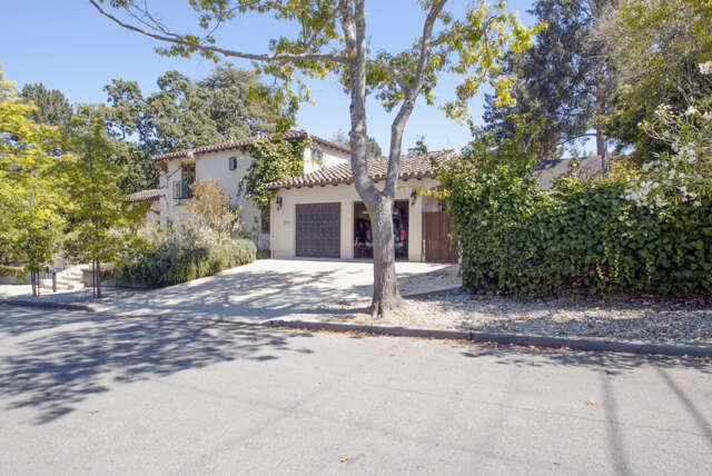 Single Family for Sale at 901 Bromfield Rd San Mateo, California 94402 United States