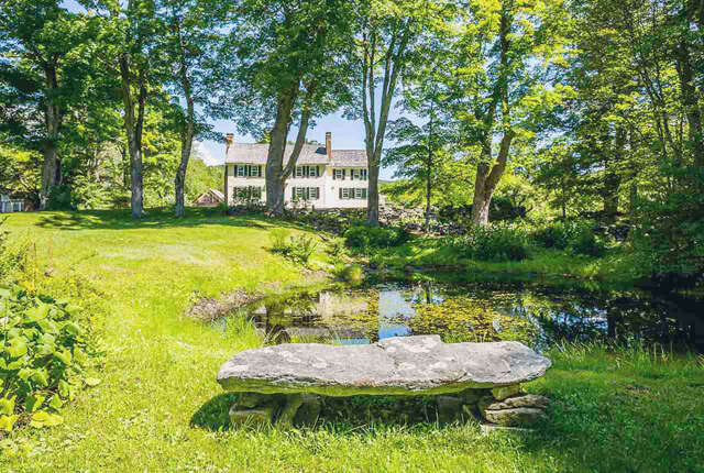 Single Family for Sale at 1433 Vermont 100 Weston, Vermont 05161 United States