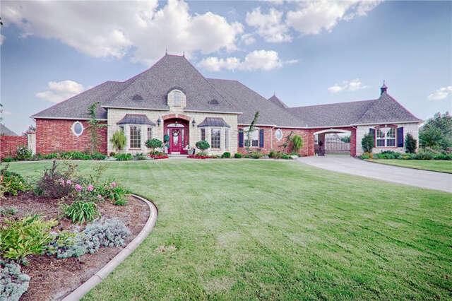 Single Family for Sale at 1308 N Azalea Way Mustang, Oklahoma 73064 United States