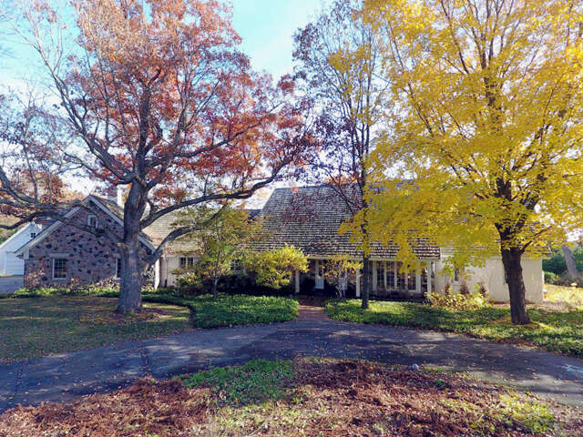 Single Family for Sale at N71w29436 Tamron Ln Hartland, Wisconsin 53029 United States
