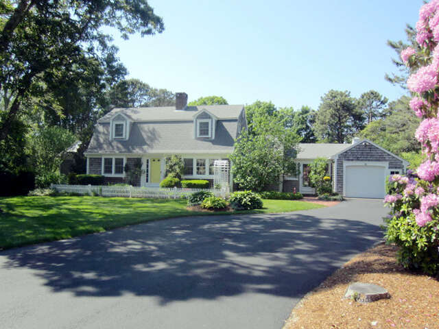 Single Family for Sale at 28 Brooksweld Lane West Dennis, Massachusetts 02670 United States