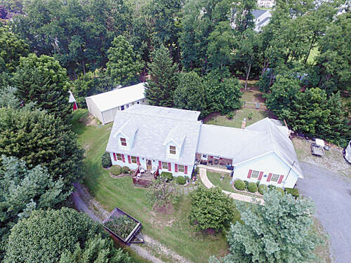 Single Family for Sale at 805 Houser Rd Fayetteville, Pennsylvania 17222 United States