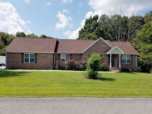 Featured Property in Gainesboro, TN 38562