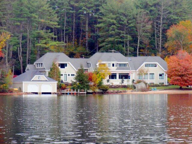 Single Family for Sale at 230 Governor Wentworth Highway Tuftonboro, New Hampshire 03226 United States